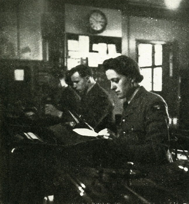 On Signals Duty, c1943. da Cecil Beaton